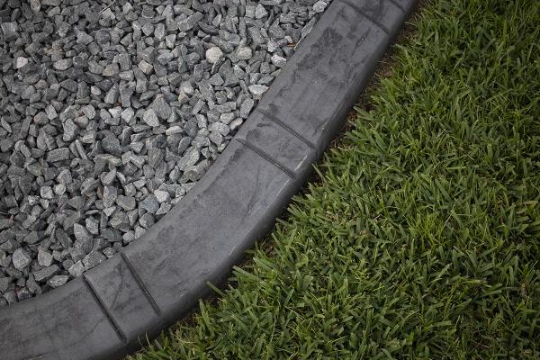 gray-curbing950DC1CB-7649-96EE-5824-C3A035B44BBA.jpg